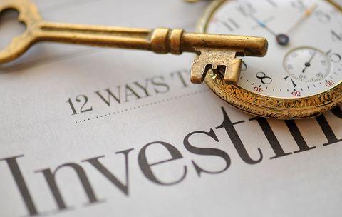 بررسی تئوری های سهامداری در جهان