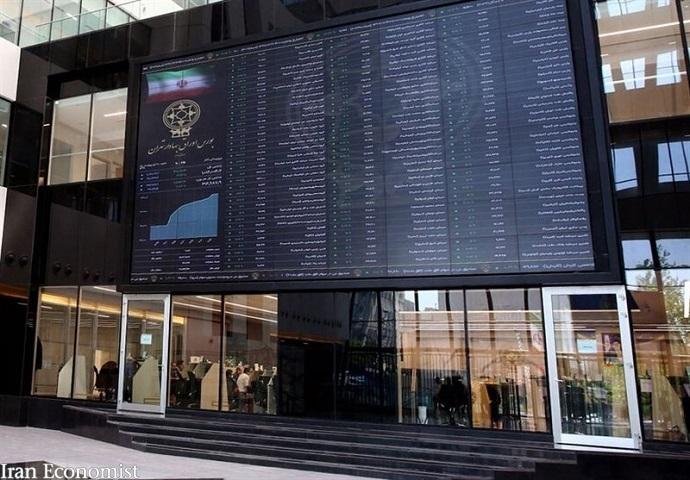 رونق بورس با کاهش انگیزه برای سرمایهگذاری در بازار ارز و طلا