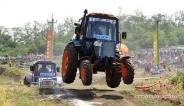 تصاویری از مسابقه رالی تراکتورها در روسیه