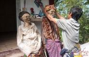 سنت آرایش مردگان در اندونزی+تصویر