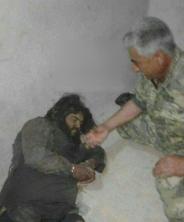 غول داعش اسیر شد + عکس