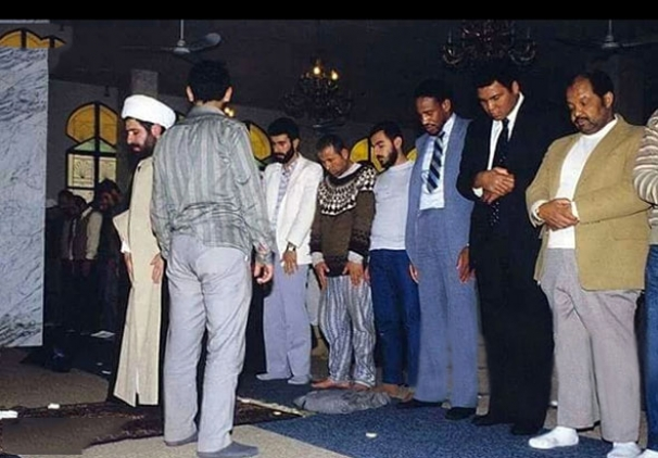 نماز «کلی» پشت سر معاون حزبالله لبنان