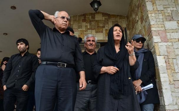 فیلم: سخنان همسر حبیب محبیان در مراسم تشییع