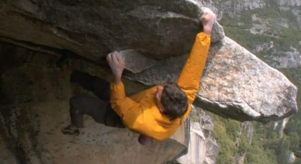 فیلم : تنها برروی دیواره صخره ها بدون امکان حتی یک اشتباه