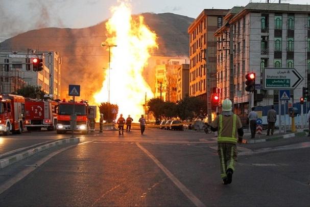 فیلم : مرگ ۲ کارگر مترو تهران در محل انفجار خط لوله گاز شهران