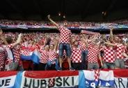 تصاویر زیبا از تماشاچیان یورو 2016