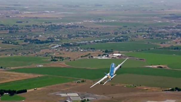 فیلم: تیک آف عمودی بوئینگ 787