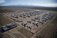 نگهداری هواپیماهای قدیمی در بیابان / تصاویر