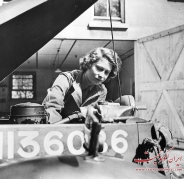 عکس : ملکه الیزابت در جنگ جهانی دوم