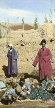 عکس : جویندگان طلا در دوره قاجار