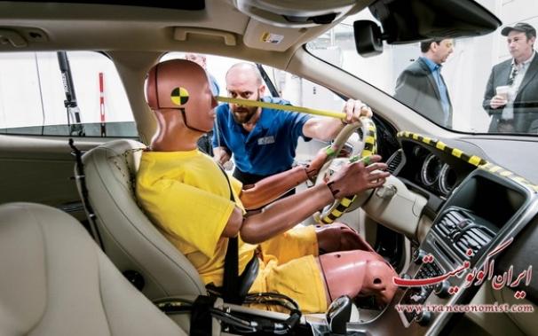 فیلم : آزمایشگاه تست تصادف ماشین ها