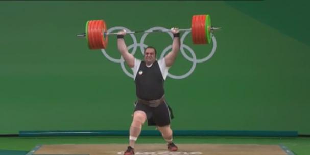 فیلم : رقابت دو ضرب سلیمی با ناداوری در وزنه برداری المپیک