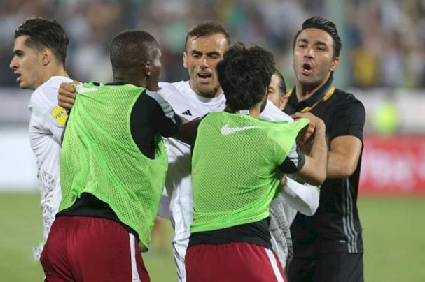 درگیری شدید بازیکنان ایران و قطر + فیلم