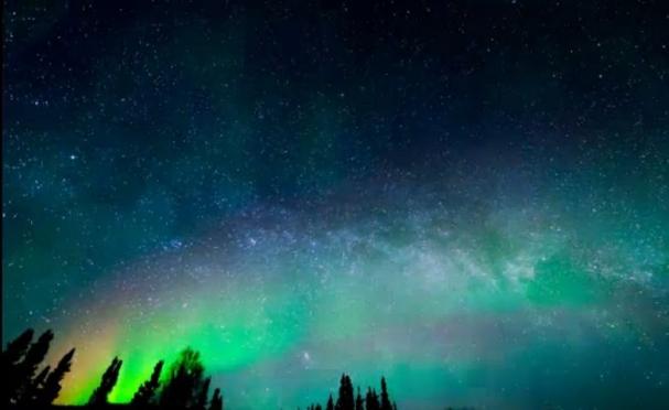 فیلم : تصاویر زیبا از شفق شمالی آلاسکا