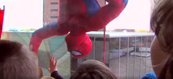 فیلم : شادی بخشی به کودکان سرطانی در روز هالووین