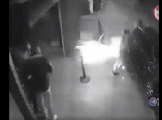فیلم : انفجار گوشی موبایل در جیب یک نفر