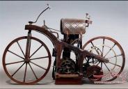 عکس : اولین موتور سیکلت تاریخ
