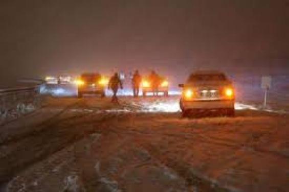 فیلم : فعل لیز خوردن در برف تهران