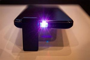با گوشی هوشمند جدید دیگر نیازی به ویدیو پروژکتور نخواهید داشت