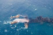 تصاویر رویترز از نفتکش ایرانی که در آبهای چین آتش گرفت