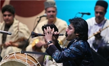 وزیر ارشاد به تماشای گروه موسیقی سورنای لرستان نشست