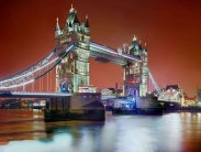 تصاویر مناظر معروف در شب