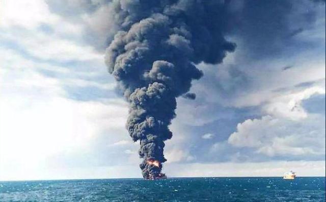 مدیرعامل شرکت ملی نفتکش: تجسس پیکر جانباختگان سانچی در عمق 115 متری دریا ادامه دارد