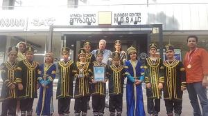 اهدای-تندیس-جشنواره-موسیقی-گرجستان-به-گروهی-از-ایران
