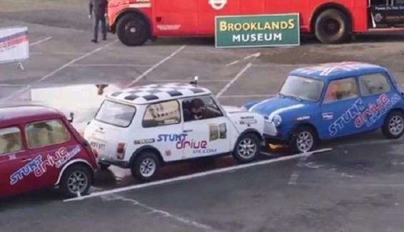 ویدیو؛ رکورد جهانی پارک خودرو شکسته شد