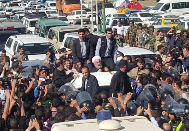 روحانی در جمع مردم سرپلذهاب: نیاز به ساخت 30 هزار مسکن جدید داریم/دولت کمک بلاعوض خواهد کرد