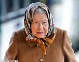 (تصاویر) ملکه انگلیس با روسری و به تنهایی به تعطیلات رفت