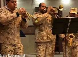 فیلم: رقص جالب سربازان ایرانی در پادگان جلوی فرمانده شان