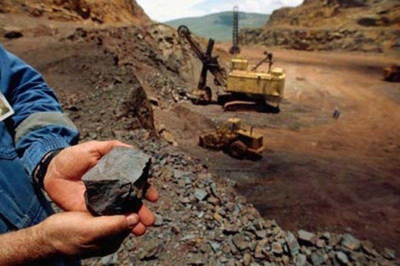 معاون وزیر صنعت: نگران سنگآهن مورد نیاز بخش فولاد نیستیم