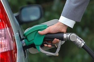 توزیع بنزین سوپر در جایگاههای سوخت به روال عادی بازگشت