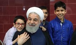 روحانی در دیدار با مددجویان بهزیستی و کمیته امداد: روند افزایش کمک به مددجویان ادامه مییابد