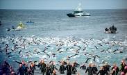 تک عکس : مسابقه شنا در جزایر قناری