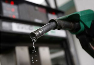 مجلس و دولت درباره سهمیهبندی بنزین تعیین تکلیف میکنند