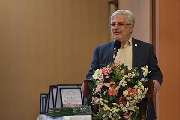 مدیرعامل سازمان تامین اجتماعی: کمکهای قابل توجه خیرین به منظور ارتقا خدمات درمانی استان فارس