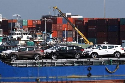 گمرک اعلام کرد؛ واردات خودرو فعلا ممنوع است