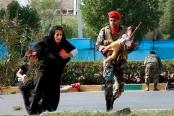 تصاویر: نجات دهندگان در حمله تروریستی اهواز
