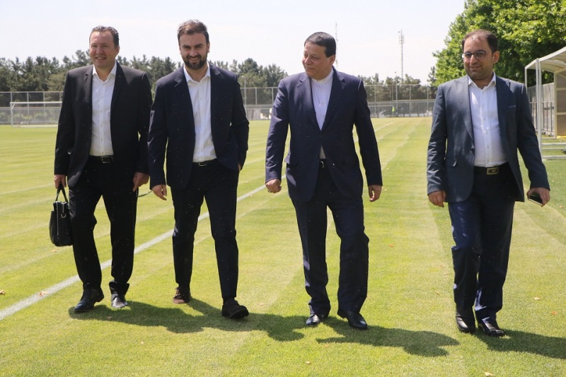 بازدید ویلموتس از امکانات فوتبال ایران