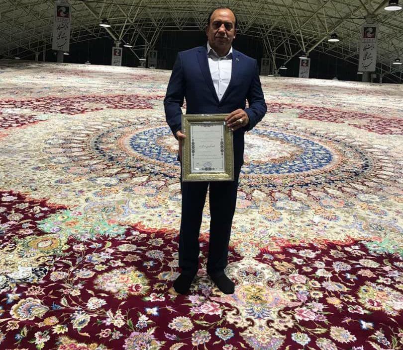 بافت بزرگترین فرش جهان به دست هنرمندان تبریزی و کار آفرین برتر کشور