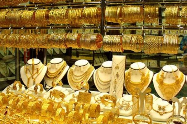 حباب سکه تمام به صفر رسیده است/ سود بانکی کم شود، تقاضا برای خرید طلا افزایش مییابد